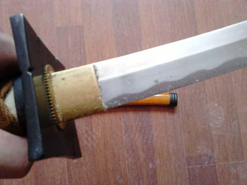 38)Катаны. Боевые и сувенирные образцы.
